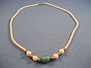 Child's Faux Pearl Necklace (Image1)