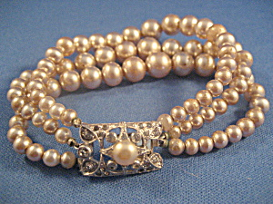 Very Old Faux Pearl Bracelet (Image1)