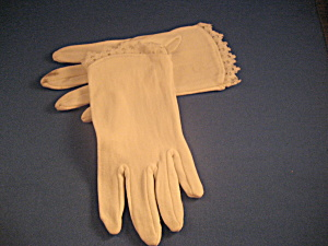 Gilrs White Gloves