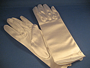 White Satin Gloves (Image1)