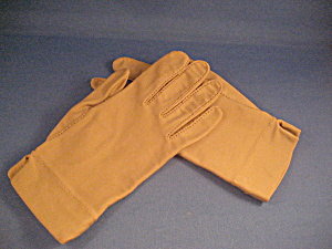 Isotoner Tan Gloves (Image1)
