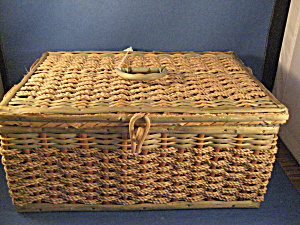 Vintage Sewing Basket and Contents (Image1)