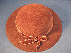 Large Velvet Doll Hat (Image1)