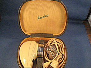 Women's Norelco Electric Shaver (Image1)