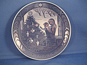 1981 The Christmas Tree Royal Copenhagen Plate