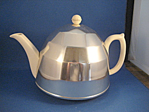 Sadler Tea Pot and Metal Cosy (Image1)