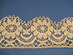 Antique Lace (Image1)