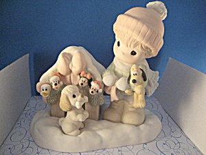 Precious Moments-the Magic Of The Season Figurine