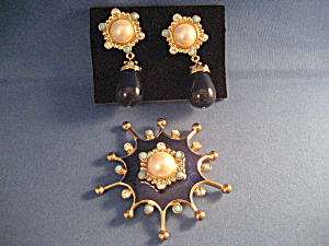 Large Avon Brooch And Earrings