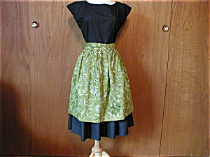 Green Paisley Apron (Image1)