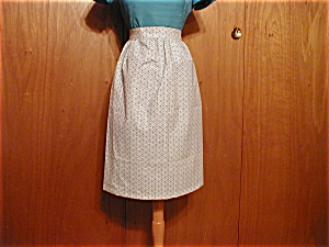 Homemade Blue Flowered Apron (Image1)