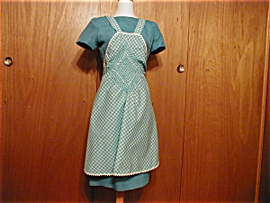 Full Front Bluegreen Checkered Apron (Image1)