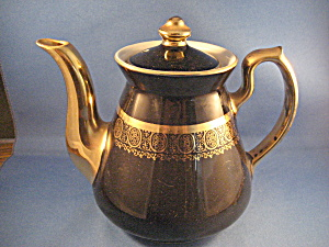 Hall Black And Gold Tea Pot
