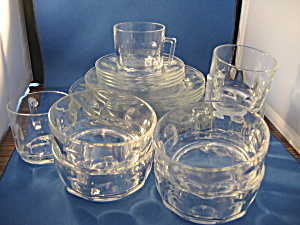 Set Of Four Cris D'arques Druand Arcoroc Petale Dishes