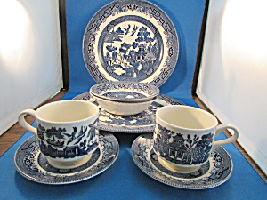 Two Table Sets of Blue Willow Dishes (Image1)