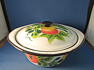 Enamel Pan With Fruit