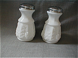 Large Panel Grape Milkglass Salt and Pepper (Image1)