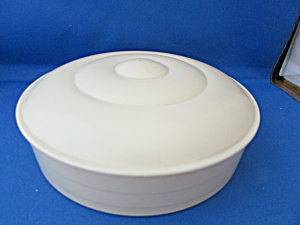 Round Plastic Sewing Kit with Wood Spools of Thread (Image1)