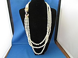 Faux Pearl Necklace With Horse Head On The Side