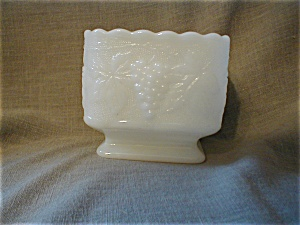 Milk Glass Pedestal Planter (Image1)