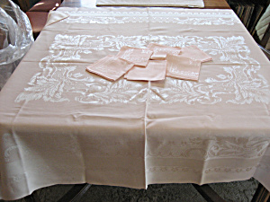 Pink Linen Table Cloth And Napkins