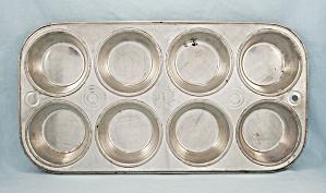Vintage BAKE KING -  8 Well Muffin / Cupcake Pan (Image1)