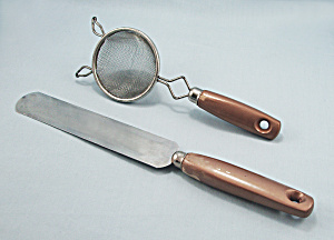 Gold Painted Handles, Small Strainer & Turner, Spreader (Image1)