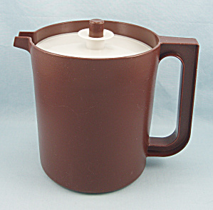 Tupperware 1575-9 - 1.5 Quart Pitcher, Brown
