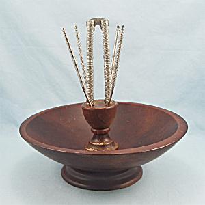 Wooden, Pedestal Nut Bowl, Cracking Tools (Image1)