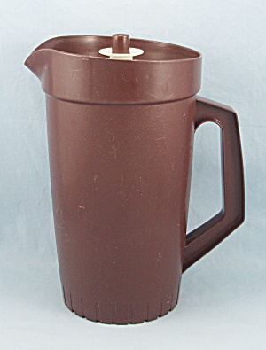 Tupperware 800 - Two Quart Pitcher, Deep Brown