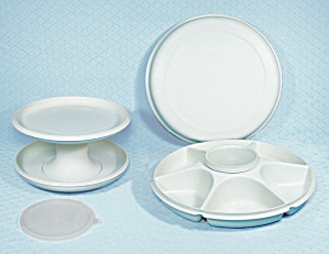 Tupperware - Serve It All Set And Serving Center Set