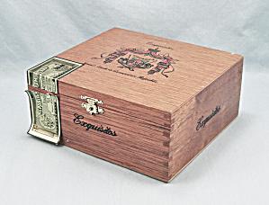 Arturo Fuente – Wooden Cigar Box (Image1)