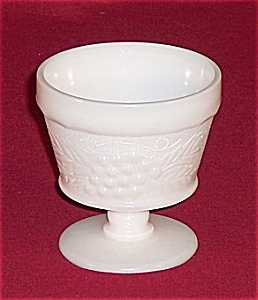 Milk Glass Sherbets – Grapes (Image1)