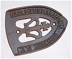 Cast Iron  - N. R. Streeter & Co. Groton, N.Y.  - Stand / Trivet	 (Image1)