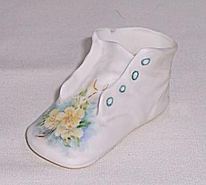 Fine Porcelain Tiny Baby Shoe (Image1)