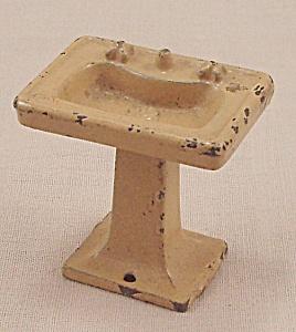 Kilgore, Cast Iron, Dollhouse Furniture, Yellow Bathroom Sink, Lavatory Stand – No. T-28 (Image1)