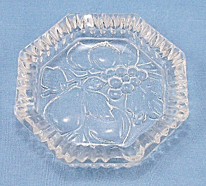 Federal Glass Co. – Pioneer – Intaglio Fruit (Image1)