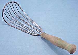Vintage Wire Whisk/ Batter Beater/ Whip � Wood Handle (Image1)