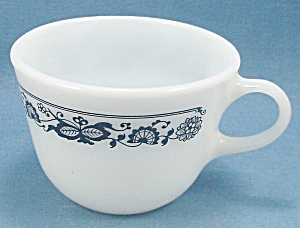 Pyrex - Coffee Cup - Old Town / Blue Onion Pattern
