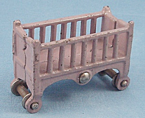 Kilgore - Cast Iron � Dollhouse Furniture � Baby Crib - Lavender (Image1)