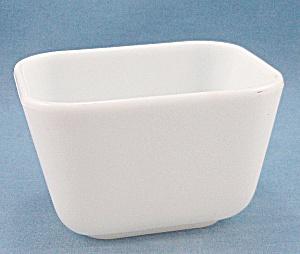 Vintage Pyrex -  White -  Refrigerator Dish (Image1)