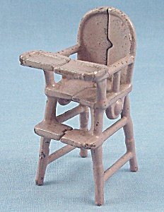 Kilgore Mfg. Co. – Cast Iron – Dollhouse Furniture- High Chair  - Lavender (Image1)