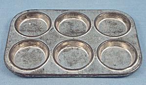 Children's Dishes - Muffin Tin – Six (Image1)