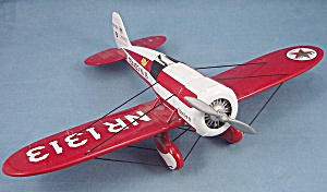 Wings of Texaco � 1930 Mystery Ship � Model Airplane/Bank (Image1)