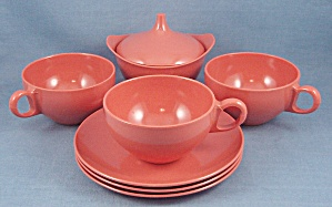 Melmac – Melamine Dishes, O-D – Seven Coral Items (Image1)