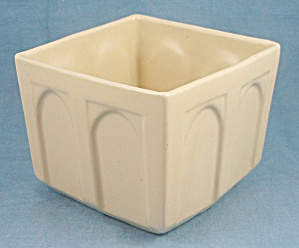Cookson Pottery � USA � 4 Inch Square Yellow Planter (Image1)