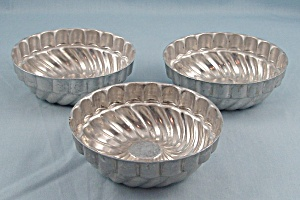 3 / Single Serving Food/ Jello Molds (Image1)