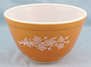 Pyrex 401,  Butterfly - Daisy- Orange Mixing Bowl, Small (Image1)