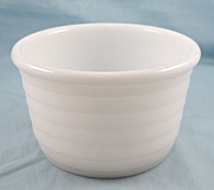 Opaque – Milk Glass – Mixing Bowl	 (Image1)