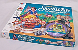 Walt Disney's Snow White and the Seven Dwarfs Game, Milton Bradley, 1992 (Image1)